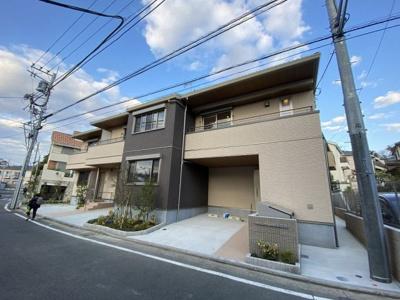 積水ハウス施工の賃貸住宅シャーメゾン♪グリーンライン「高田」駅より徒歩10分の好立地!テラスハウスです☆