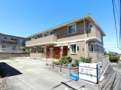 小田急線「読売ランド前」駅より徒歩9分!閑静な住宅地にある2階建てアパートです♪近隣には公園があるので休日のお散歩にも良いですね☆