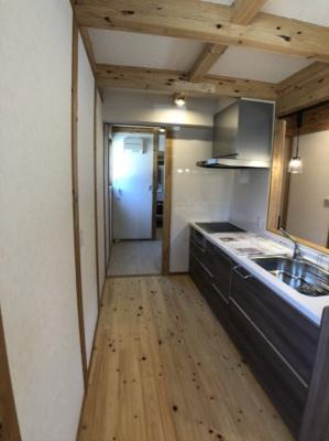 キッチン回りはこのような空間になってます
