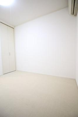 【寝室】フローラル上花山