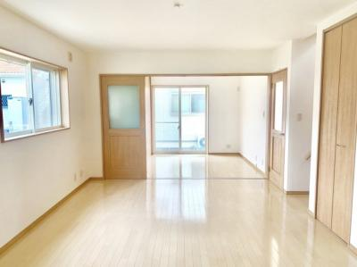 【居間・リビング】堺市中区福田 平成27年築 戸建