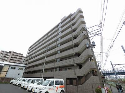 JR・私鉄各線「横浜」駅徒歩17分、相鉄線「平沼橋」駅徒歩4分、京急本線「戸部」駅徒歩7分。 通勤時間の短縮でご家族と過ごす時間を増やす事が出来ます。