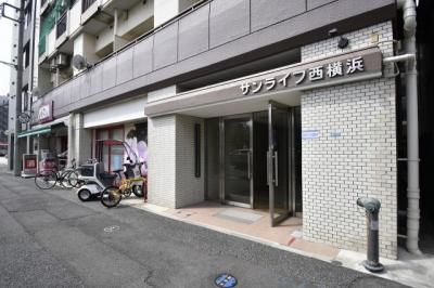 相鉄線「西横浜」駅徒歩6分、京急本線「戸部」駅徒歩9分、相鉄本線「平沼橋」駅」徒歩9分。 忙しい朝が助かる立地、暮らしにゆとりが生まれます。