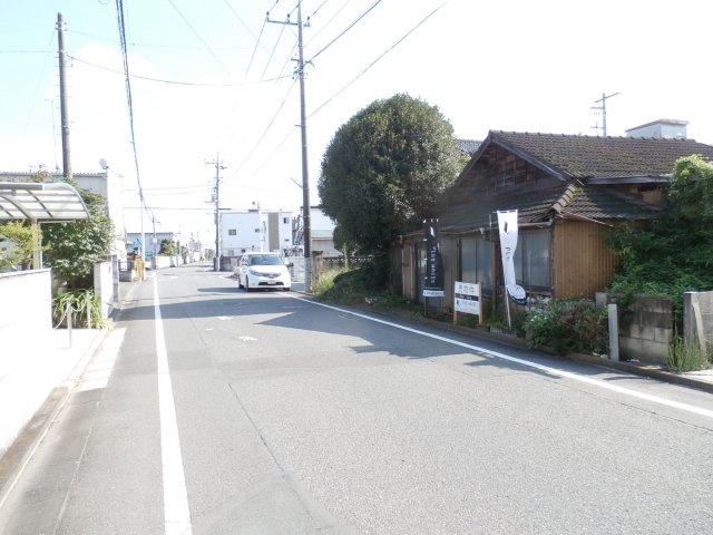 全面道路は幅員6.8m、間口16.8mと、車の出し入れも楽々です(*´з`)