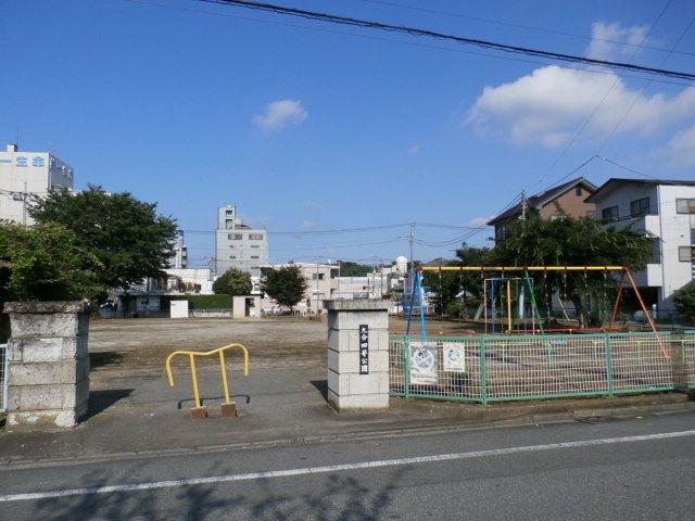 九合四号公園は、徒歩1分です(*^^)v