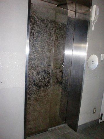 エレベーターがあればお引越しも助かります。