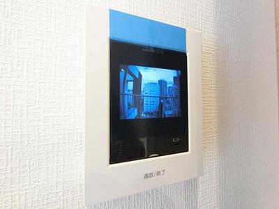 来客を一目で確認できるモニター付きインターホン。