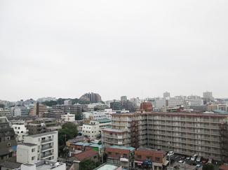 11階建ての10階部分なので、開放感のある眺望です。