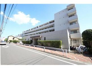 都営三田線「蓮根」駅徒歩約6分の通勤通学共に便利な立地です。