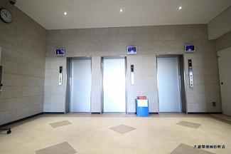 お出かけお帰りの際に便利なエレベーターは3基ございます。