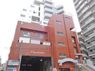 JR山手線・京浜東北線「鶯谷」駅から徒歩圏内の立地です。