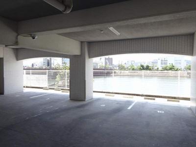 【駐車場】コーポリバーサイド