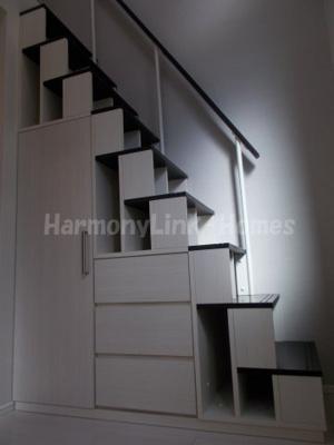 ハーモニーテラス巣鴨の収納付き階段☆