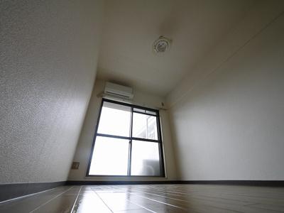 【居間・リビング】サンハイツ新大宮