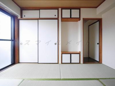 天袋もある広々和室の収納です。