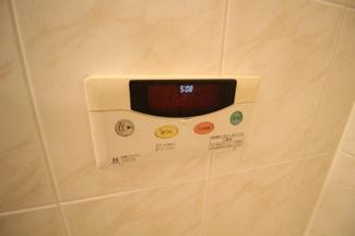 追炊き機能付きで光熱費の節約にも役立ちます。