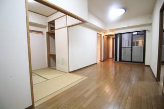 【居間・リビング】プレステージ六甲道駅前Ⅱ