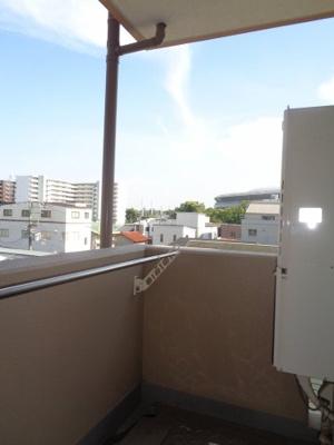 【バルコニー】ラ・ファミリア山坂