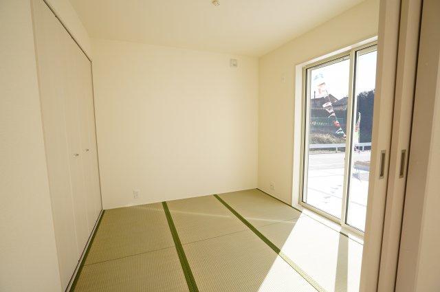 4.5帖 リビング隣接の和室なので広々使えます。