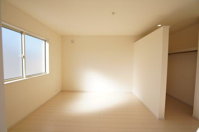8.5帖 ウォークインクローゼットがあるお部屋です。