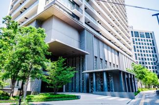 【エントランス】大阪メトロ御堂筋線『中津駅』直結‼利便性に優れています。