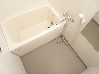 【浴室】サンスイズミ