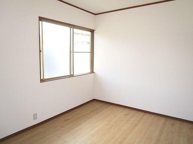 2階 洋室約6帖
