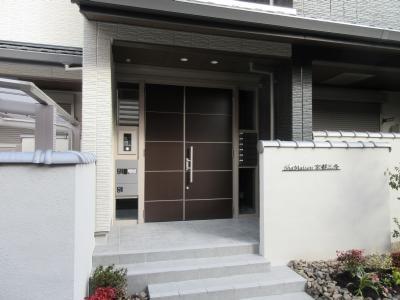 【エントランス】シャーメゾン京都三条