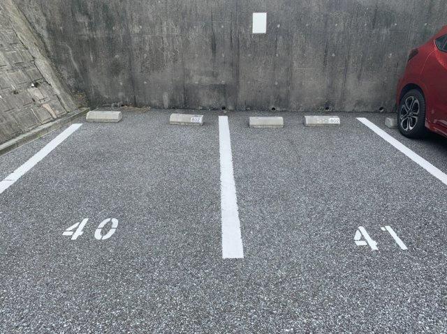 【駐車場】ル・サンク北谷