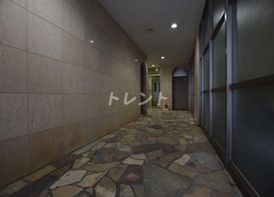 【ロビー】レイローズビル