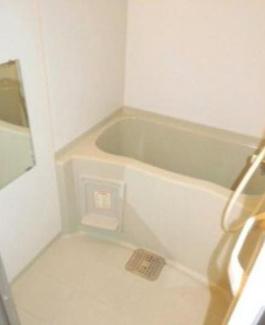 【浴室】《高稼働!2004年築》札幌市北区北二十七条西5丁目一棟アパート