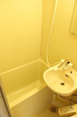 シャワー付き水洗器具交換済・温水洗浄便座あり