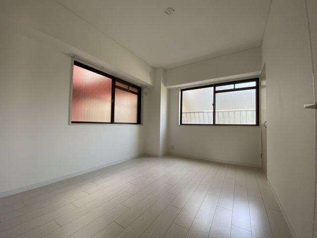 洋室は2面採光で日当たり風通し◎です#子供部屋としておすすめです#