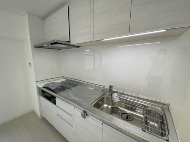 リクシル製のキッチンに新品交換済み#ステンレスシンクは傷や汚れに強く耐久性◎#