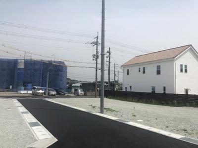 【前面道路含む現地写真】加東市上滝野2期 2号棟