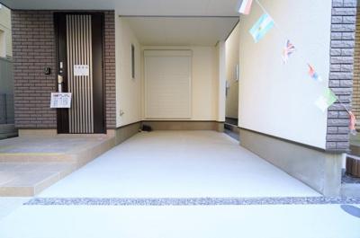 【駐車場】LDK16帖以上の新築戸建て 蕨市北町4丁目Ⅱ期ーⅢ