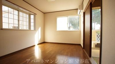【寝室】アヴァンメゾン新守谷C