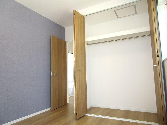 洋室5.2帖 各部屋にクローゼット設置