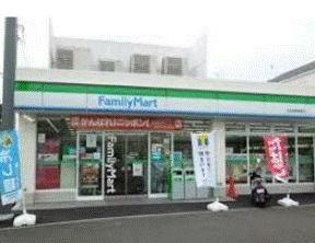 ファミリーマート日吉本町駅前てん(コンビニ)まで195m