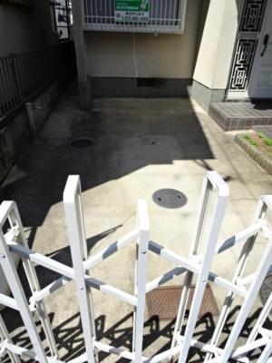 【駐車場】中古テラスハウス 四條畷市清滝中町(昭和61年築)