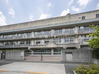 西東京市立明保中学校(約865m)