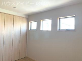 広々とした洋室です。岐阜市鏡島・書斎・小屋裏収納♪