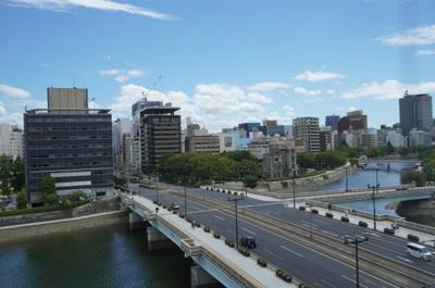 バルコニーから青空や爽やかな風を感じられ、相生橋を見ながら、毎日の暮らしに余裕を感じさせてくれる、遮る物の無い開放的な眺望を是非、ご堪能ください。