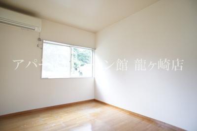 【洋室】ウッディパレス服部Ⅱ