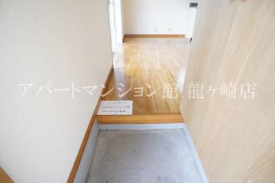 【玄関】ウッディパレス服部Ⅱ