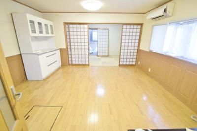 【居間・リビング】藤ヶ丘戸建