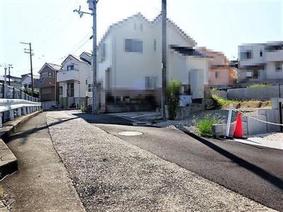 【前面道路含む現地写真】神戸市垂水区千鳥が丘1丁目 3号棟 新築戸建
