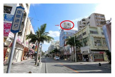 【外観】牧志広告看板(南側)