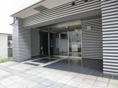 【エントランス】ラグジュアリーアパートメント中野坂上