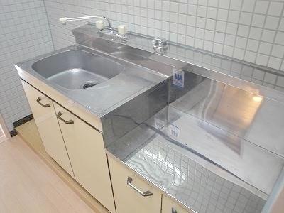 2口ガスコンロ設置可・冷蔵庫置き場